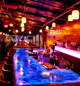 Blu Que Island Grill offers a full bar including 33 martini selections.